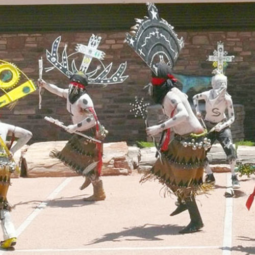 Diamond Creek Crown Dancers — Apache